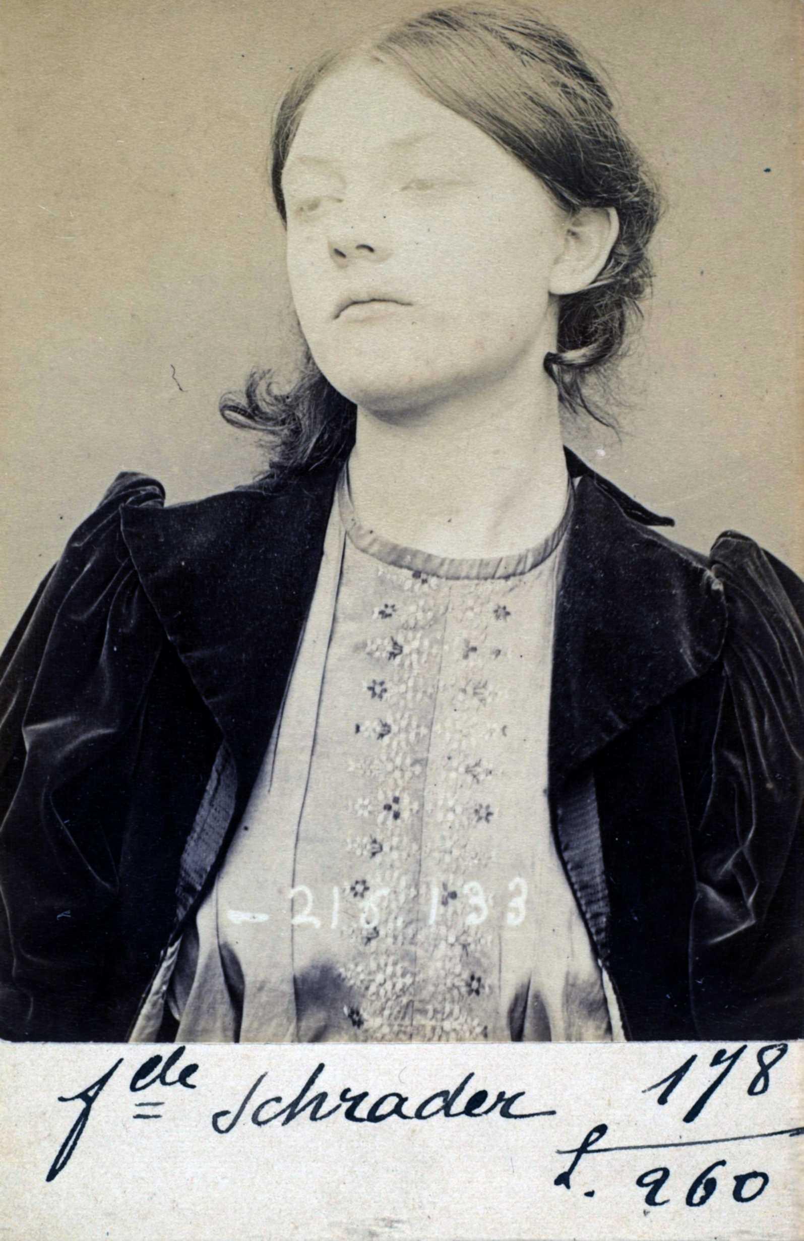 Foto policíaca de Mina Schrader (1894)