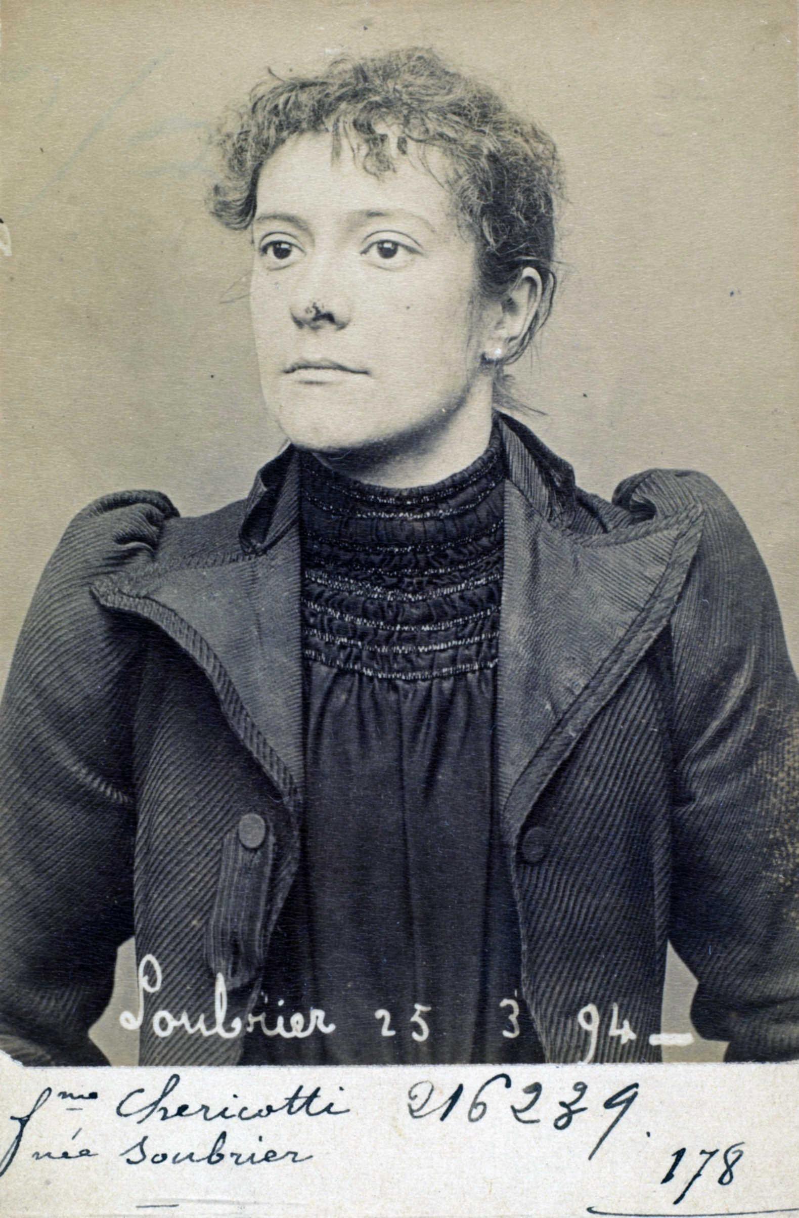 Foto policíaca d'Annette Soubrier (25 de març de 1894)