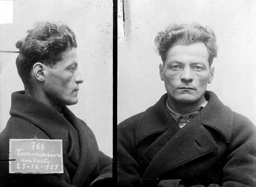 Foto policíaca d'Umberto Tommasini (1925)