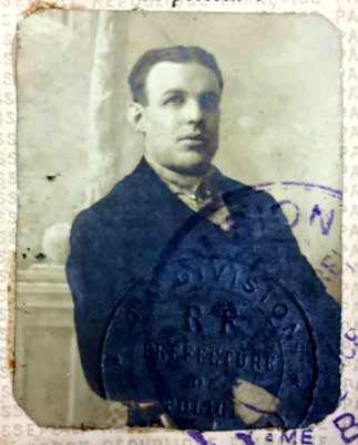 Foto del passaport de Salvador Torrents Valet (15 d'octubre de 1915)