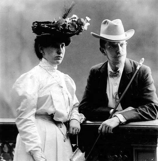 Carlo Wulz i sa companya Angela Silla fotografiats per Giuseppe Wulz (ca. 1919)