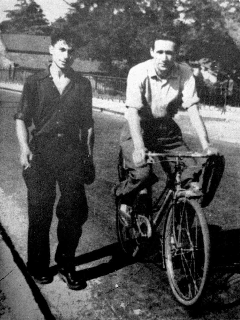 Helios Ziglioli i Josep Sabaté Llopart (amb bicicleta)
