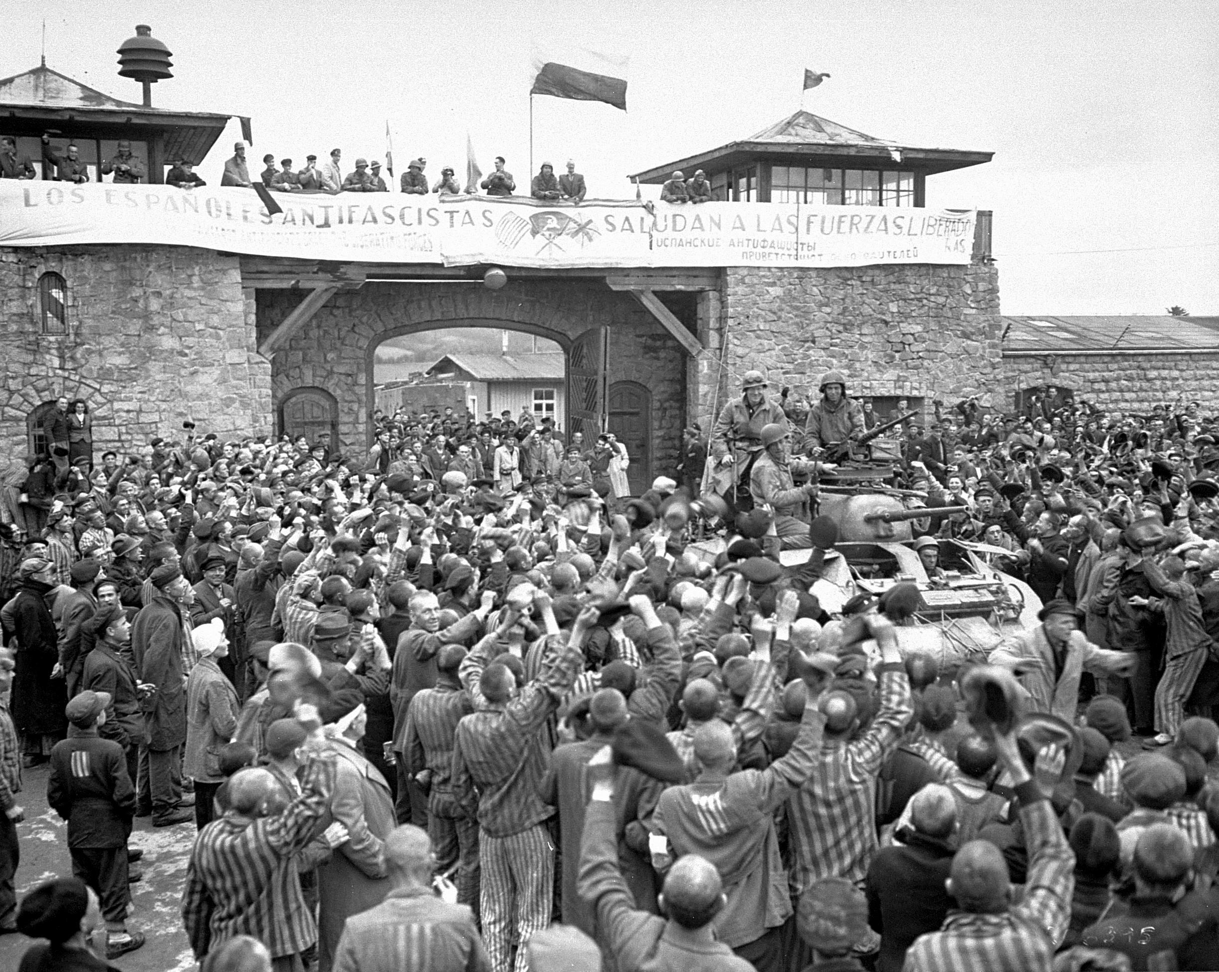 Alliberament del camp de concentració de Mauthausen per la XI Divisió de Cuirassats dels EUA