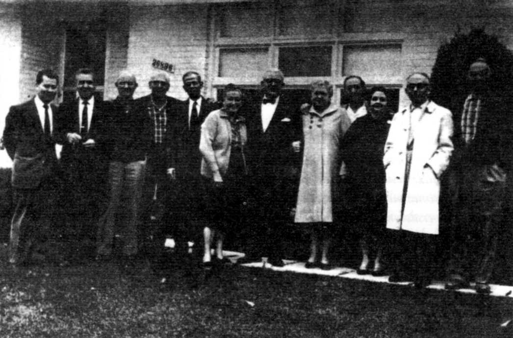 Membres del «Grupo Libertad» (Detroit, 1961). D'esquerra a dreta: Federico Arcos, Miguel Mateo, Casiano Edo, Lorenzo Albas, Rafael Berezo, Bienvenida Domingo, Marcelino García, Eulalia Rodríguez, Manuel Rodríguez, María Mateo, Juan García Durán i Pascual Domingo