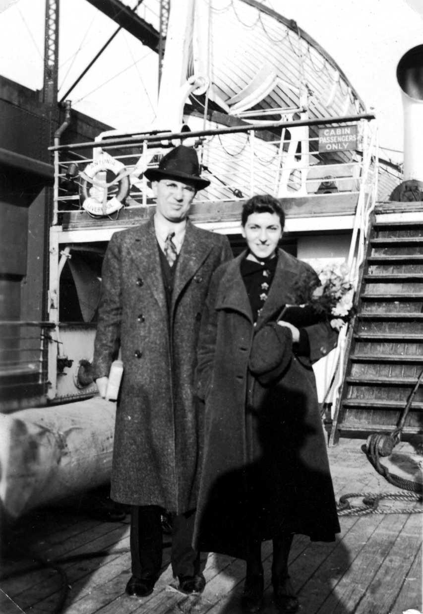 Abe Bluestein i Selma Cohen a bord de l'«Antonia» cap a Espanya (1 d'abril de 1937)