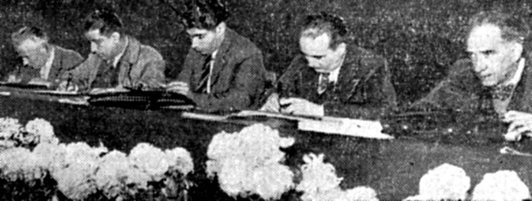 """Delegació espanyola al XXV Congrés Confederal de la CGT (Nantes, 16 de novembre de 1938). D'esquerra a dreta: Jean Poirel, del Buró Internacional del Treball (BIT); José Rodríguez Vega, secretari general de l'UGT; Marià Rodríguez Vázquez (""""Marianet""""), secretari general de la CNT; Camille Boër, de la CNT; i Daniel Augacano (?), de l'UGT"""