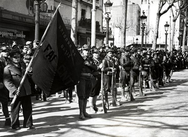 La Brigada Ortiz en una desfilada (28 de febrer de 1937)