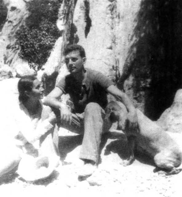 Bartomeu Cabanellas Botia i la seva companya Joana Aina Cabrer Mariano just després del seu casament (Lluc, 1934)