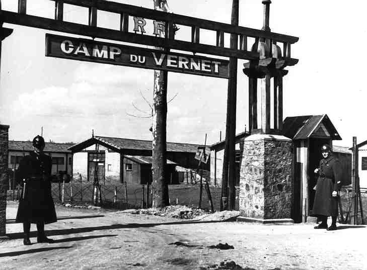 Entrada al campo de concentración de Vernet
