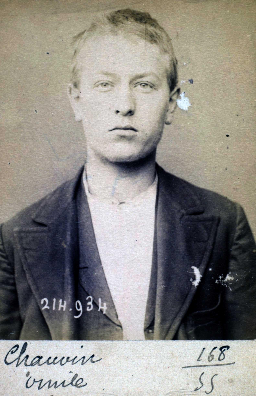 Foto policíaca d'Émile Chauvin (1 de març de 1894)