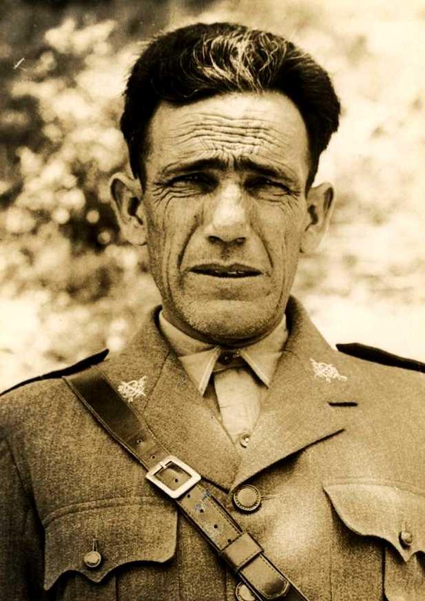 Cipriano Mera, cap de la 70a Brigada, fotografiat per Albero y Segovia