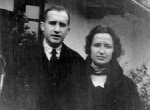 Carme Conde i Antonio Oliver a la Cartoixa de Valldemossa (Mallorca) durant el seu viatge de noces (desembre de 1931)