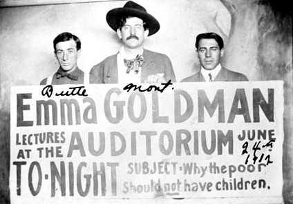 D'esquerra a dreta: Joe Edelson, Ben Reitman i Ben Capes (Bute, Montana, EUA, 24 de juliol de 1912)