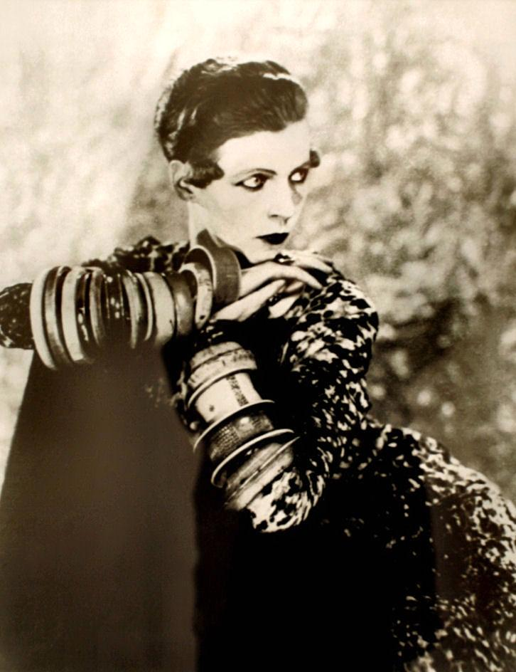Nancy Cunard, fotografiada per Man Ray (1926)