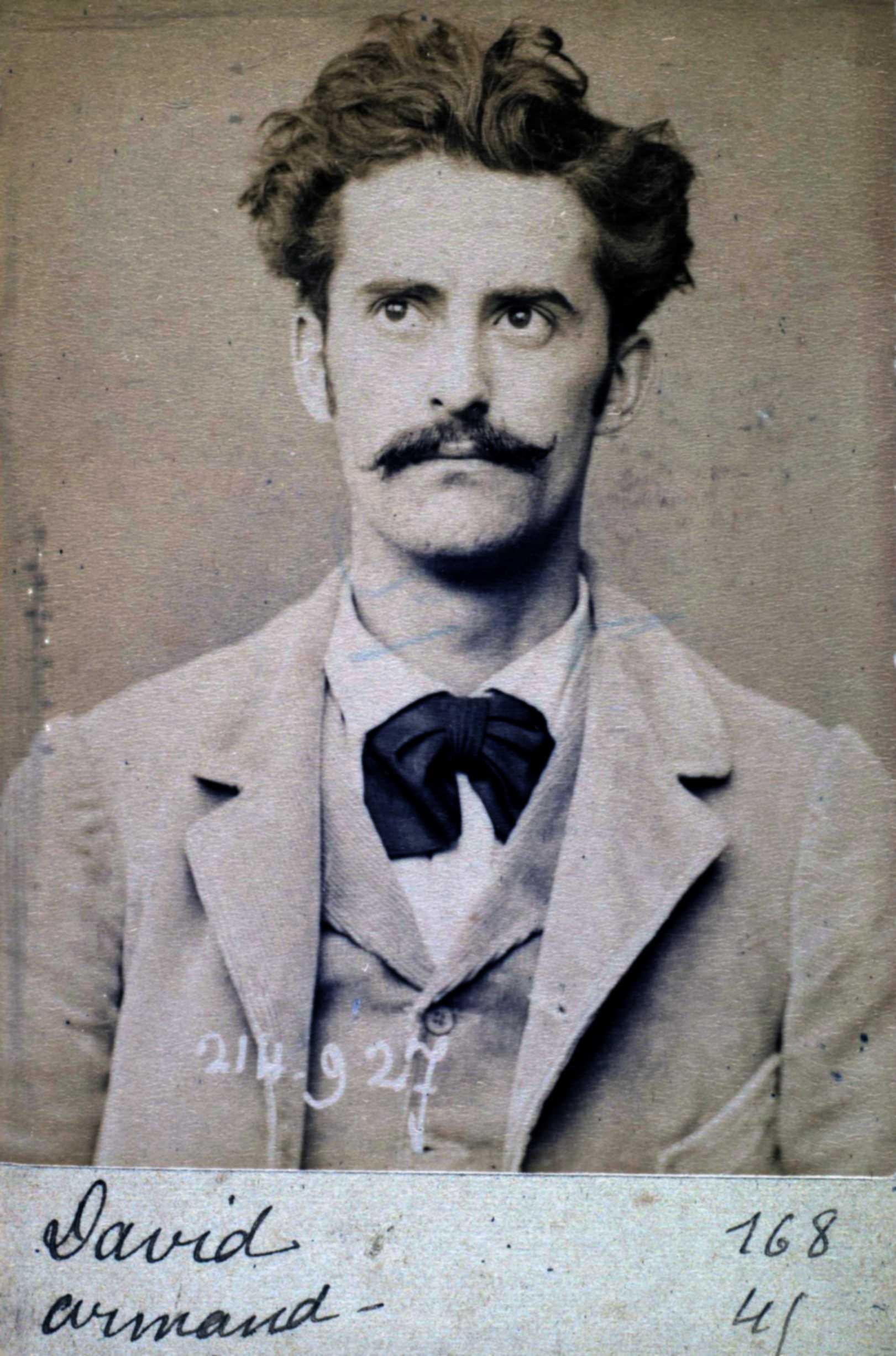 Foto policíaca d'Armand David (1 de març de 1894)