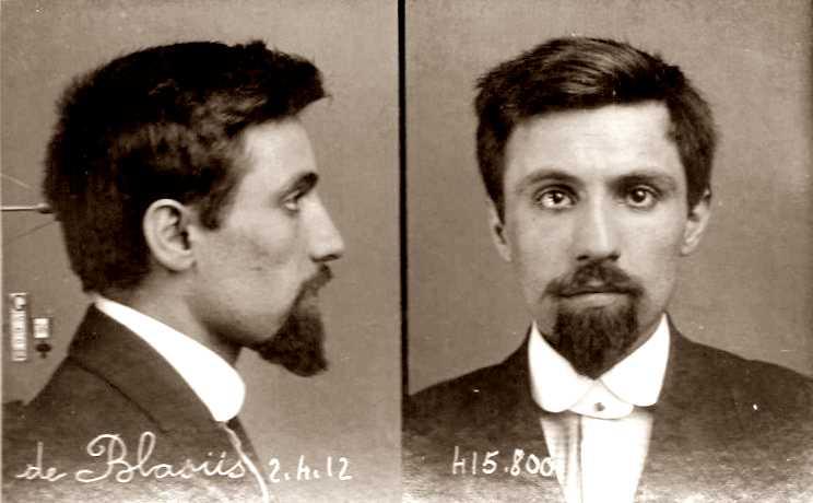 Foto policíaca d'André de Bläsus (2 d'abril de 1912)