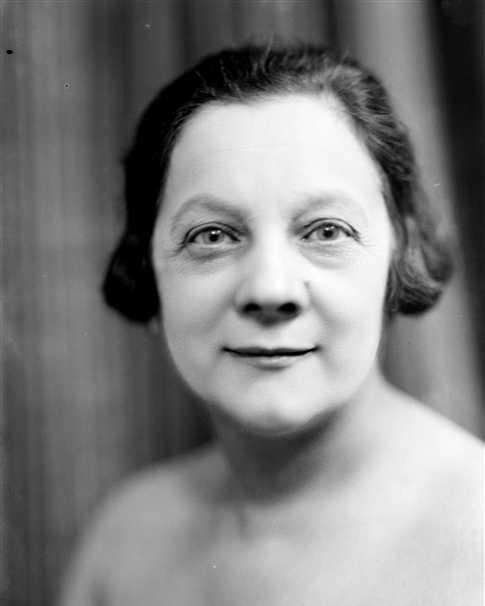 Renée Dunan fotografiada per Henri Martinie