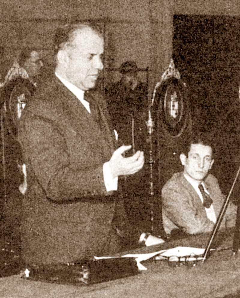 El cenetista Joan P. Fàbregas, Conseller d'Economia. A la seva esquerra, Andreu Nin, Conseller de Justícia i Dret