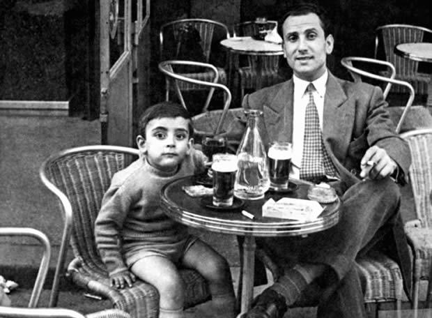 Facerías en París con el hijo de un amigo (1952)