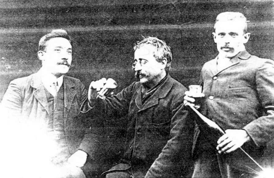 D'esquerra a dreta: Ferruccio Marini, Cesare Cova i Felice Felice (París?, 5 de novembre de 1908)
