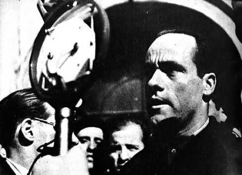 García Oliver parlant per la ràdio durant els Fets de Maig de 1937