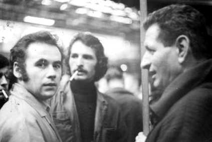 Graziani, en el centro, en una reunión en la isla Seguin (mayo 1971)