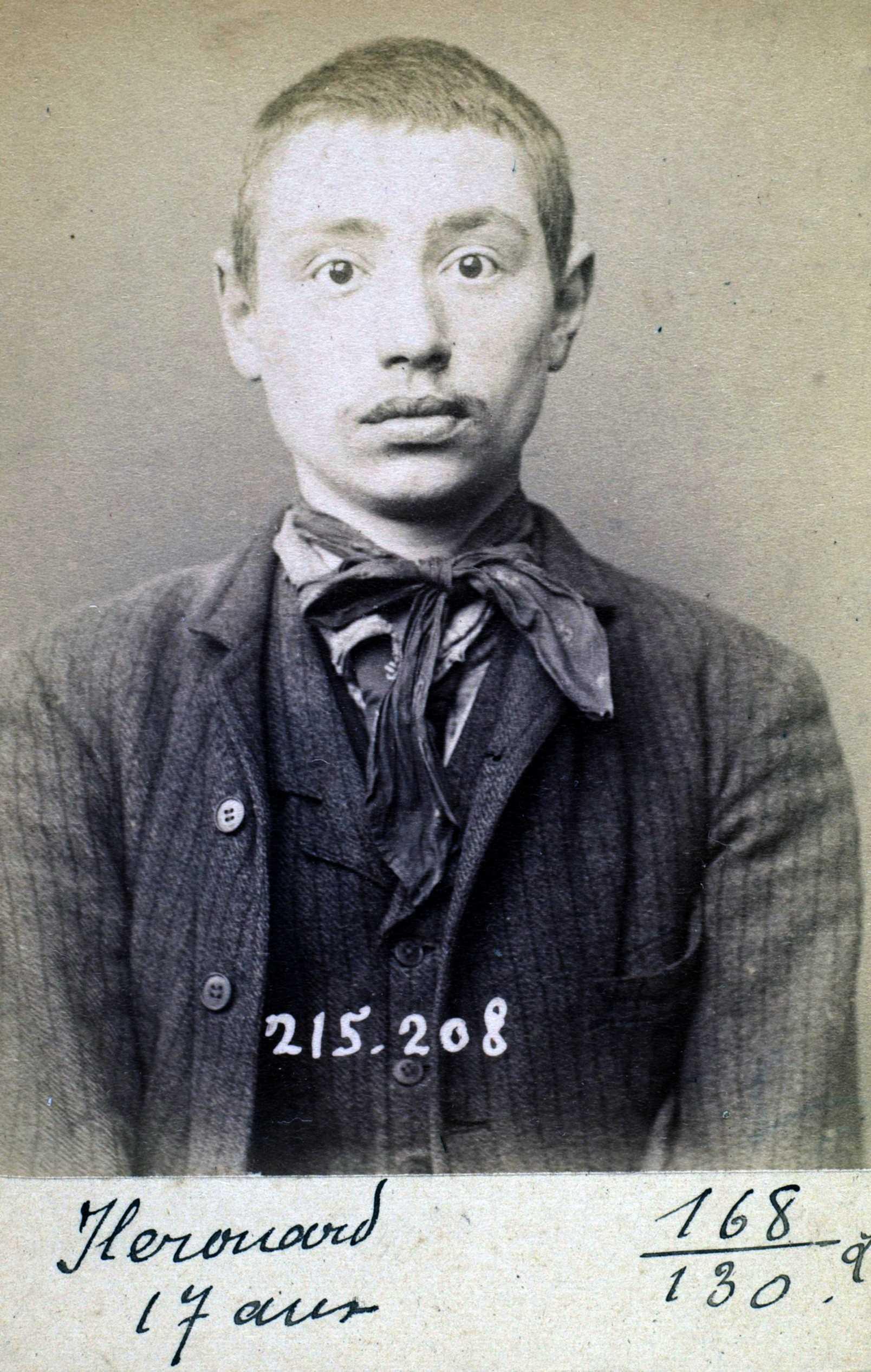 Fotografia policíaca d'Henri Hérouard (6 de març de 1894)