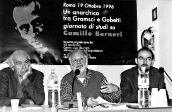 Un moment de la jornada. D'esquerra a dreta: Enzo Santarelli, Goffredo Fofi, Pietro Masiello (Foto: Giuliano Galluzzi)