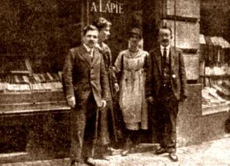 Armand Lapie a la seva llibreria de Lausana