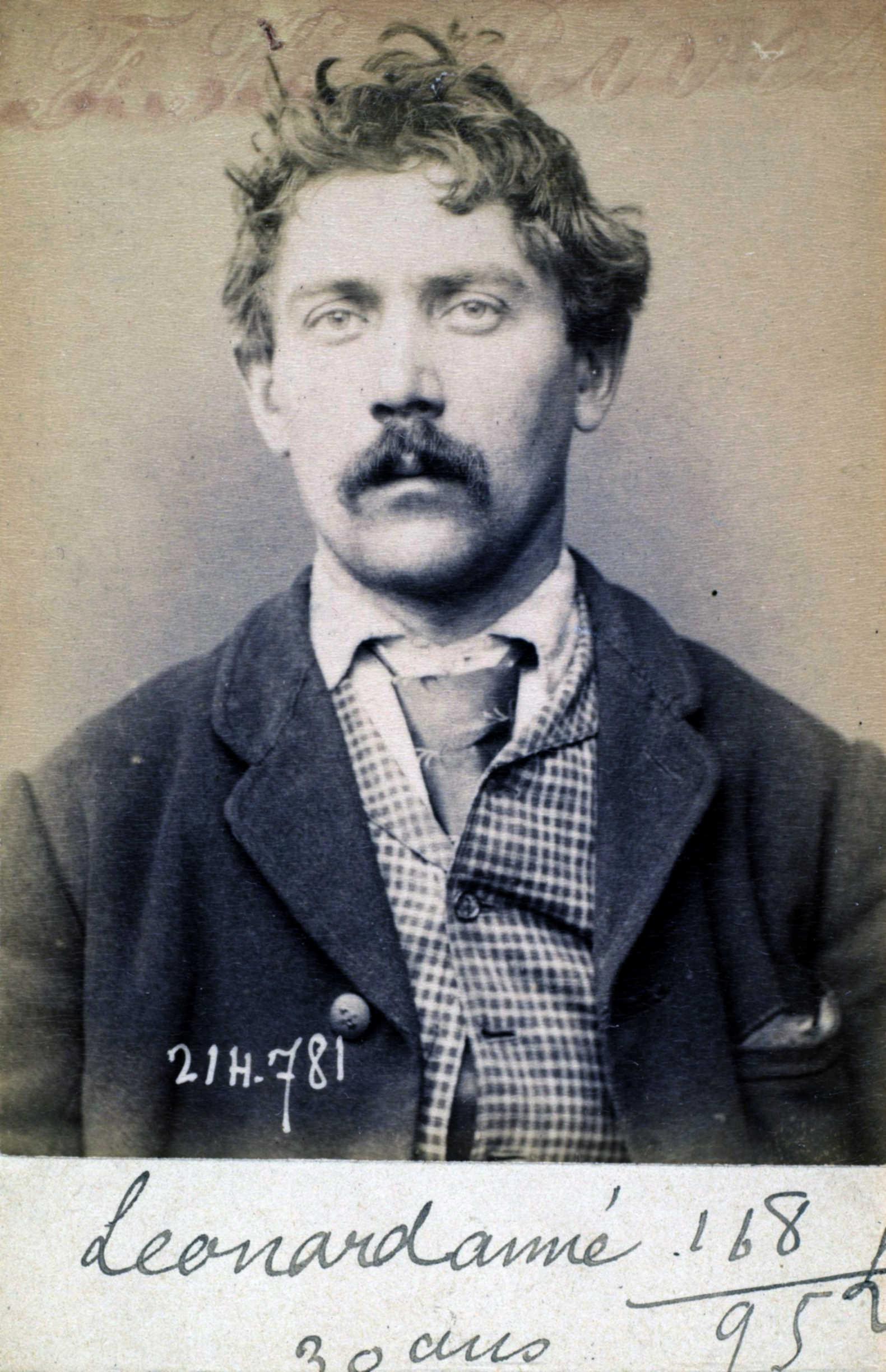 Foto policíaca d'Emérand Léonard (27 de febrer de 1894)