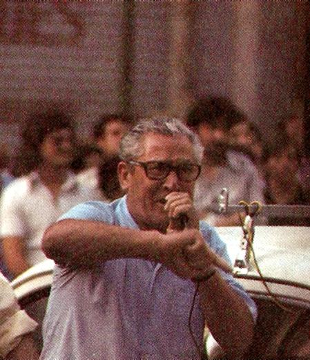 Manuel Abad en una concentración pro Dragonera (1977)