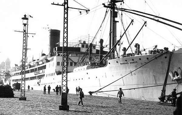"""El vapor """"Manuel Arnús"""" on van estar tancats revolucionaris dels Fets d'Octubre de 1934"""