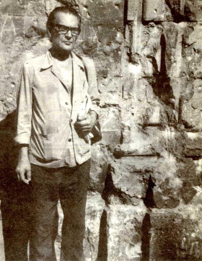 Miguel García en la plaza de Sant Felip Neri del Barrio Gótico barcelonés en 1979, lugar donde fue detenido en 1949