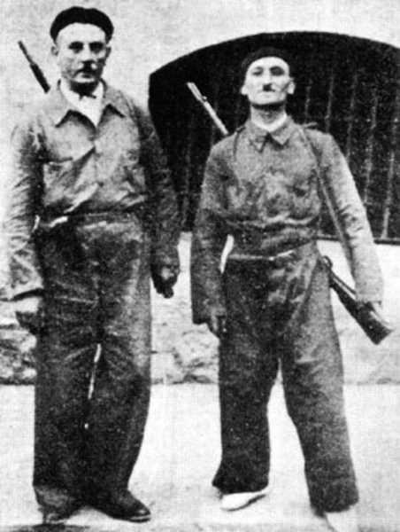 Giuseppe Mioli, a la dreta, amb Emilio Canzi al front d'Aragó durant la guerra d'Espanya