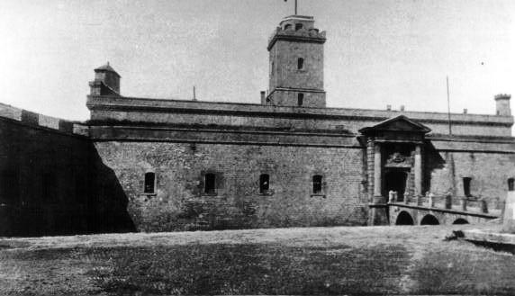 """Montjuïc, """"el castell maleït"""""""