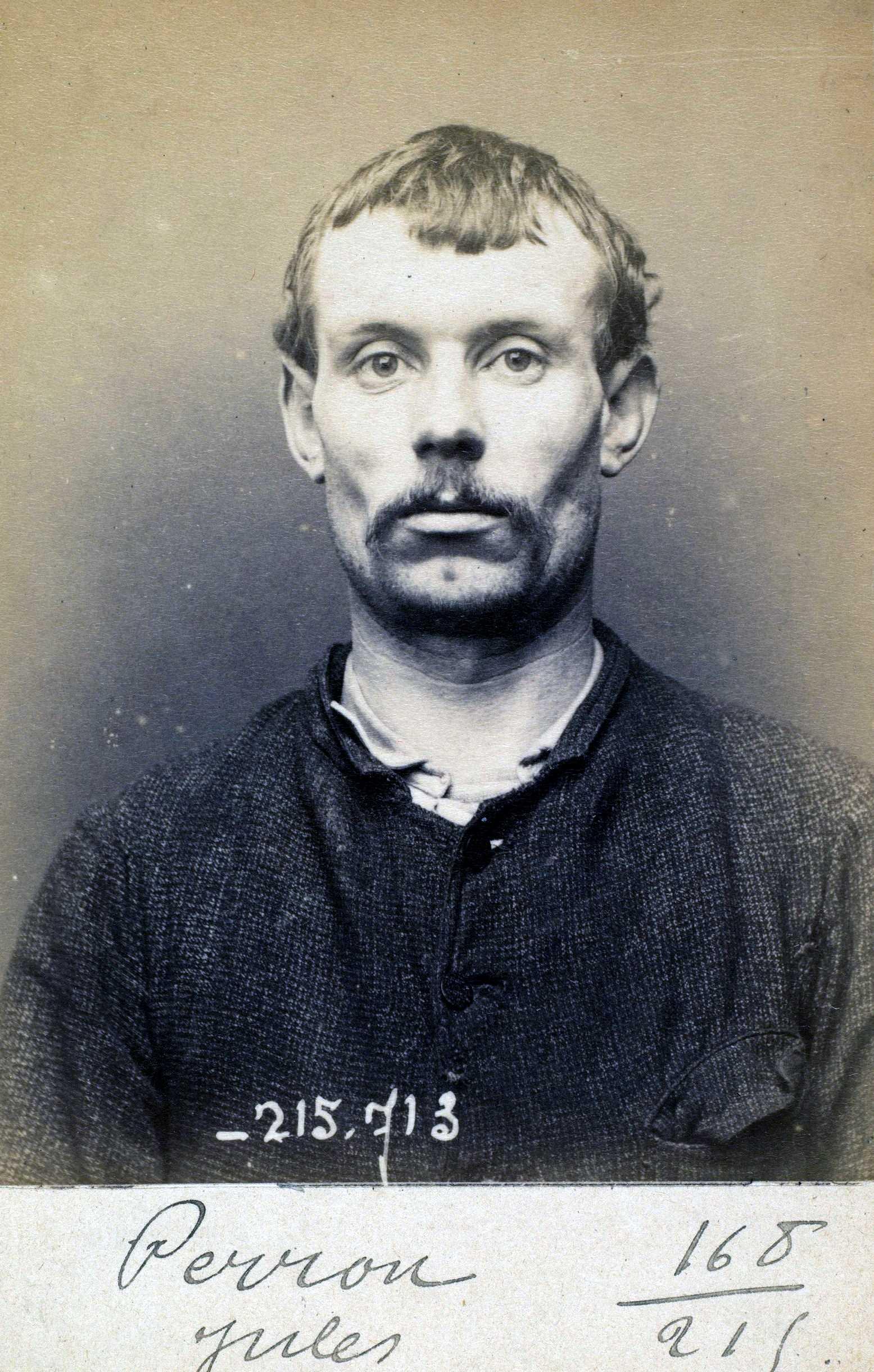 Fotografia policíaca de Jules Perron (15 de març de 1894)