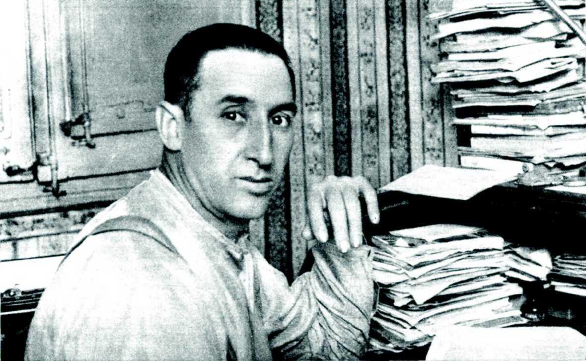Ángel Pestaña al seu despatx fotografiat per Merletti (1932)