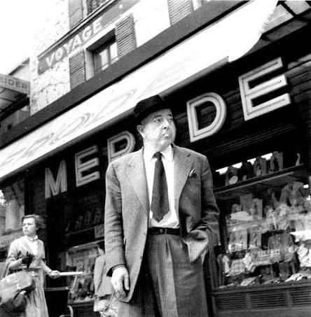 """Prévert """"emmerdat"""" per Robert Doisneau (rue de Bellville, 1954)"""