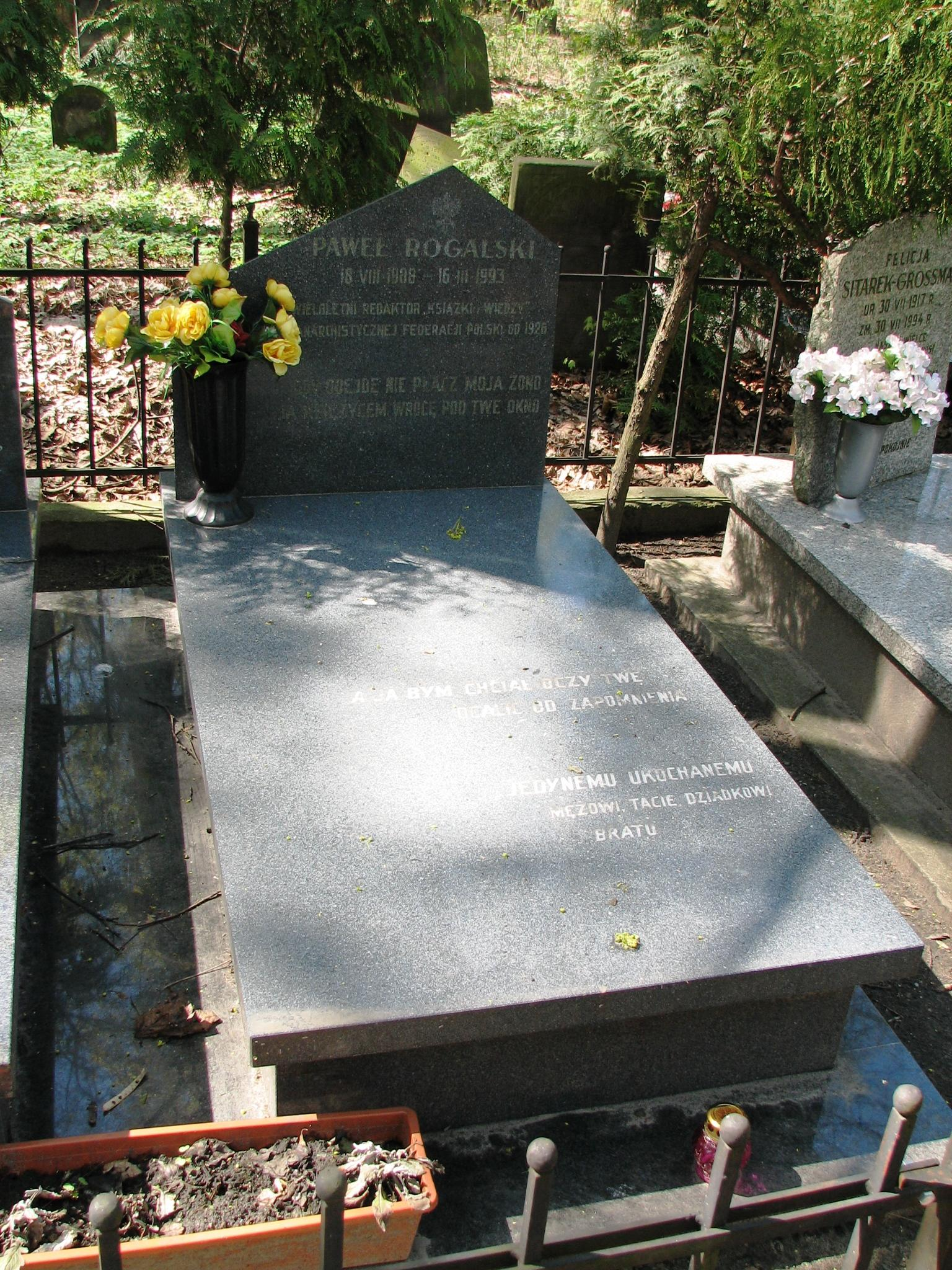 Tomba de Pawel Rogalski al cementiri jueu d'Okopowa de Varsòvia