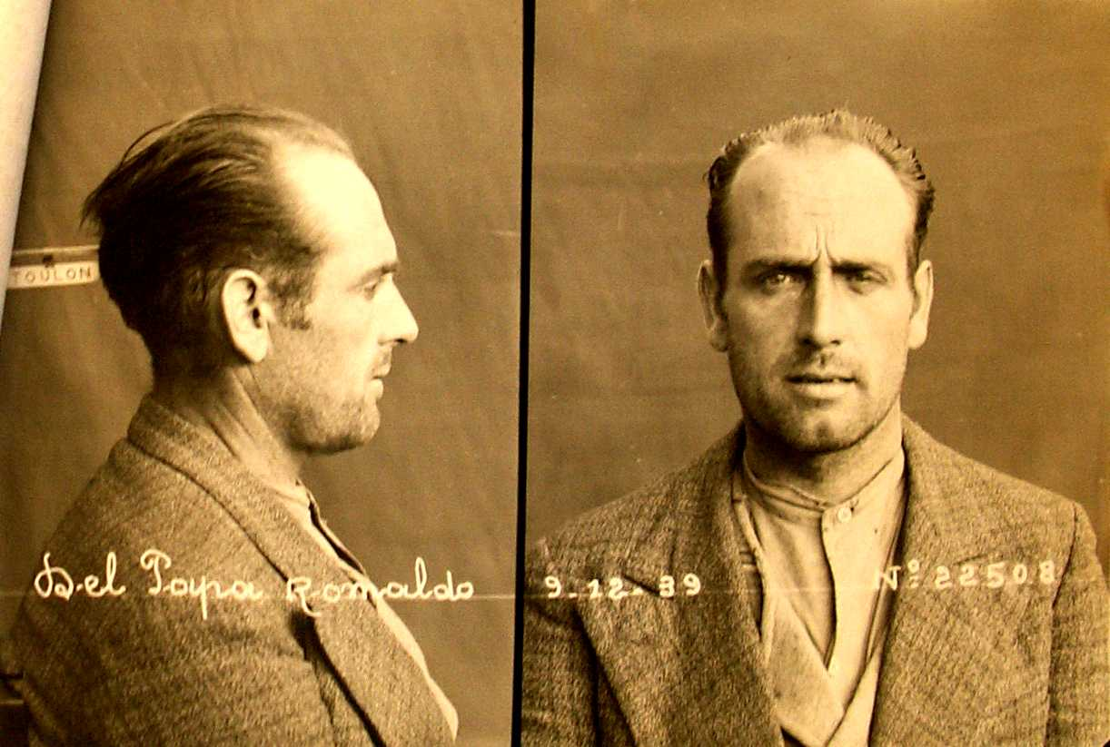 Foto policíaca de Romualdo del Papa (1939)