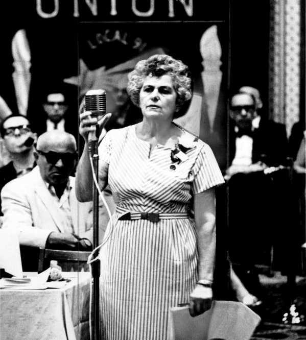 Rose Pesotta en un convenció de l'ILGWV (1965)