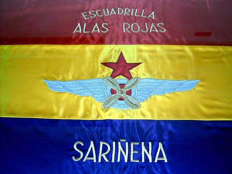 """Banderí de l'esquadrilla republicana """"Alas Rojas"""" de Sariñena"""