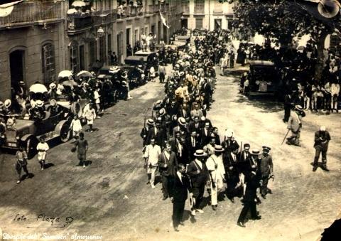 Desfilada feixista pels carrers d'Almeria