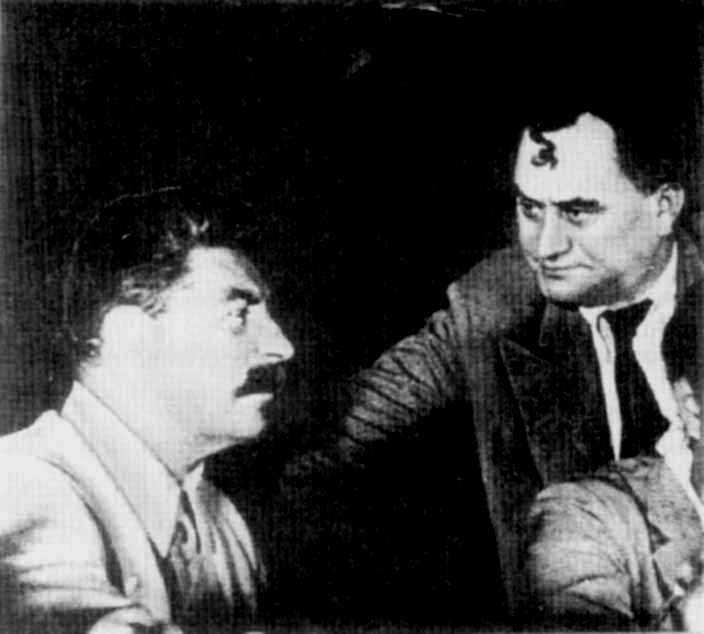Georgy Dimitrov, dictador comunista búlgar, amb Stalin, dictador comunista soviètic, planejant la repressió