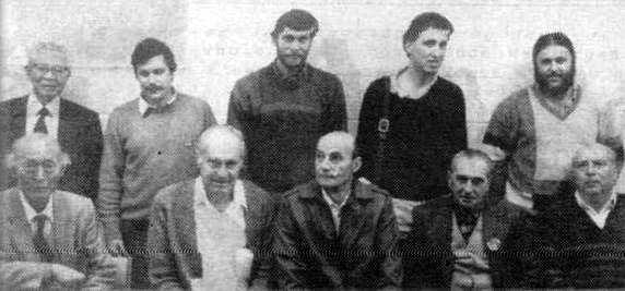 Bruno Vannini (segon per la dreta dels asseguts), amb altres destacats anarquistes, durant la sessió «Anarquisme italià a Melbourne» de la Celebració del Centenari de l'Anarquisme Australià (Melbourne, 3 de maig de 1986)