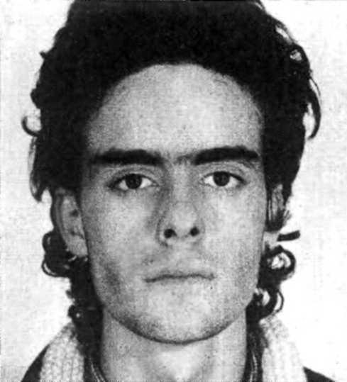 """Fotografía policíaca de Xavier Cañadas tras su detención por el """"Caso Scalas"""""""