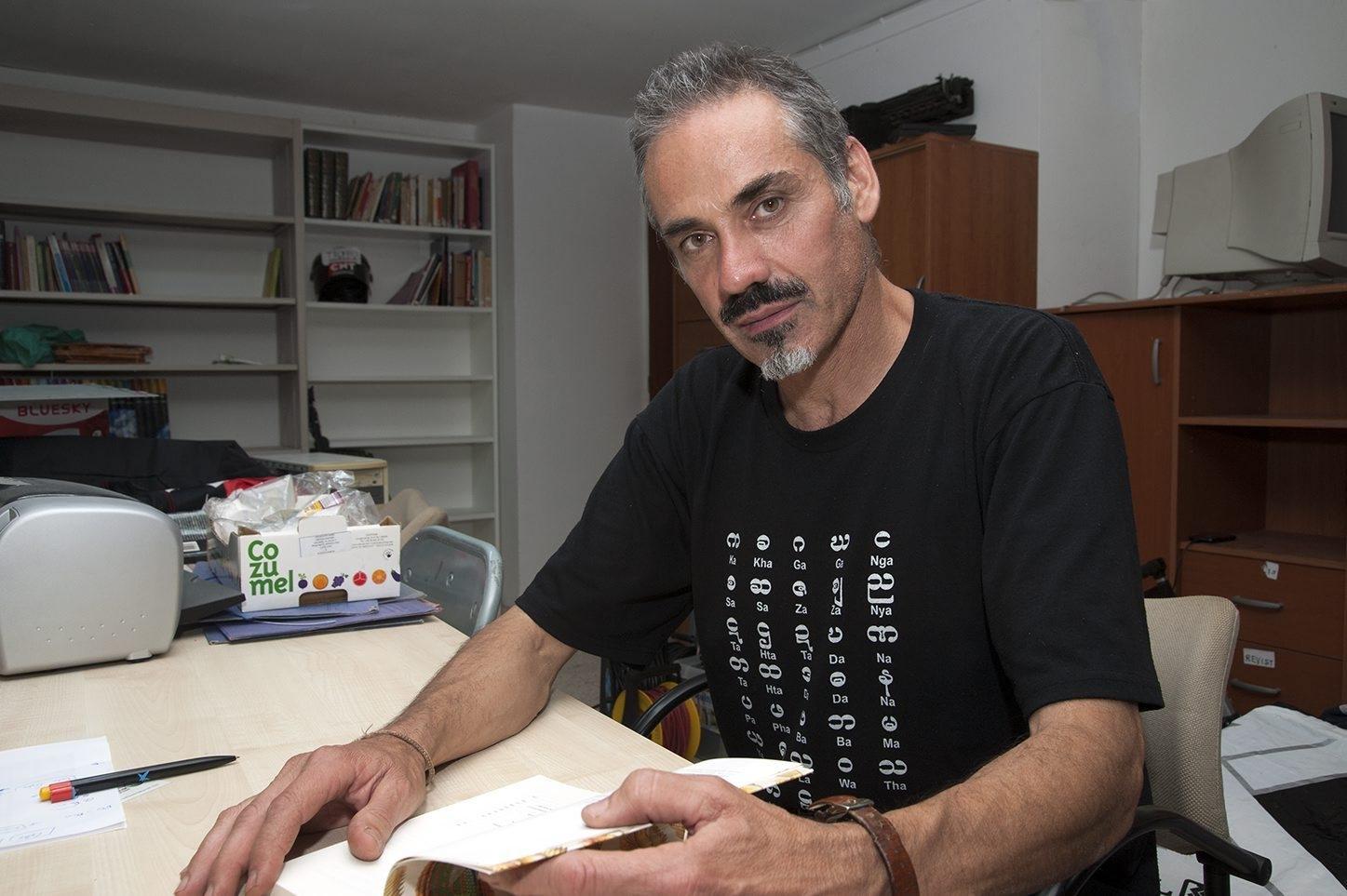 Pedro García Olivo a la seu de l'Ateneu Llibertari Estel Negre (3 d'octubre de 2015)